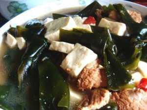 清热利水:海带炖豆腐