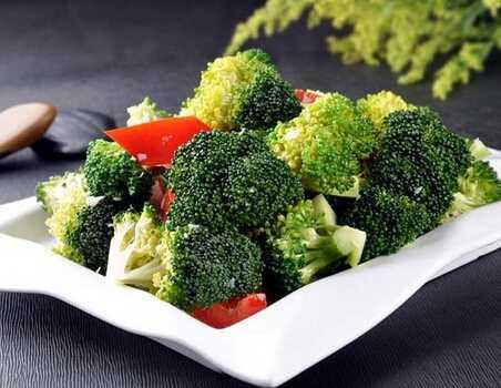 西兰花做法 清淡美食保你健康生活