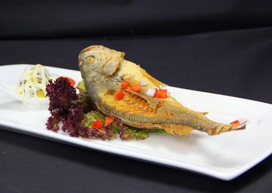 黄花鱼不能和什么一起吃